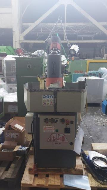 Vertical rotary table surface grinding machine
