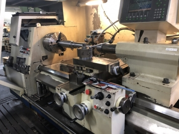 Cycle-controlled lathe