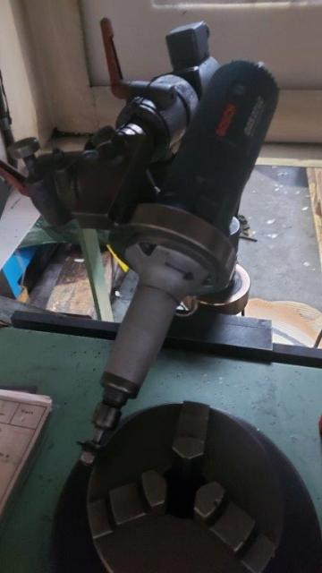 Tooth and sprocket deburring machine