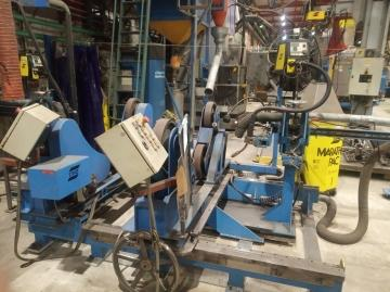 Automatic welding station with positioner
